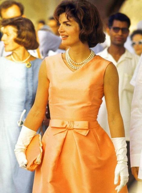 Foto: Jackie Kennedy e seu colar de pérolas / Reprodução.